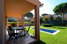 Villa en Pals - CASA PINAMAR 3D