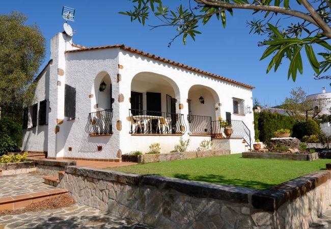 Villa en Estartit - CASITA ROSA 4D