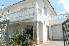 Casa en L'Escala - CASA LA VINYA 93 3D