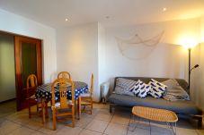 Apartment in L'Escala - APARTMENT ELS PESCADORS 2-1  3D